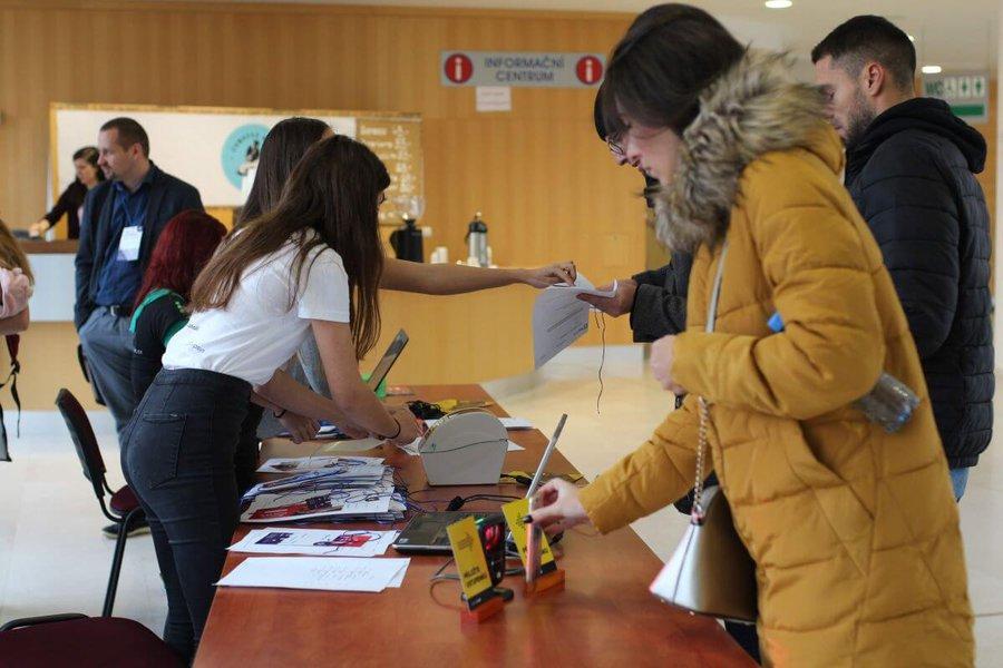 Odbavení účastníků na Barcampu Ostrava
