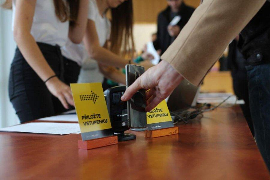 Odbavení vstupenek na Barcampu Ostrava