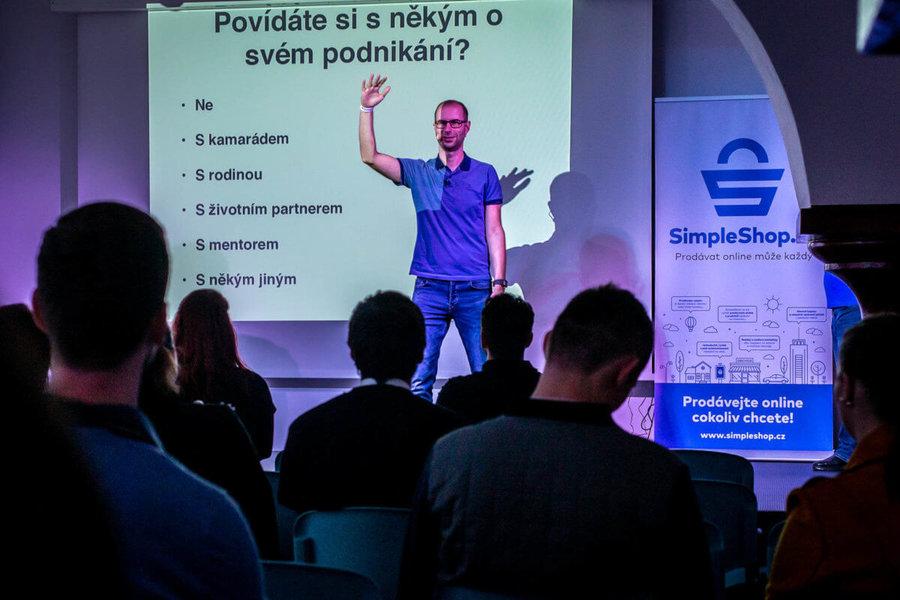 Mário Roženský na kolínském barcampu 2019