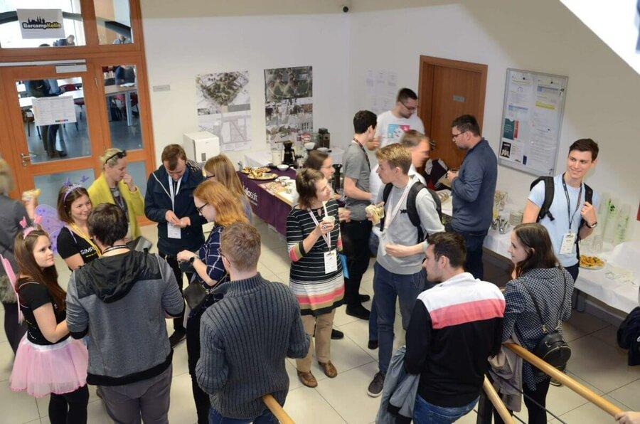 Návštěvníci akce Barcamp Kolín 2019